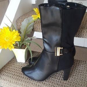 Karen Scott Black boots with buckles  like NWOB